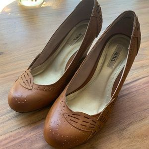 Xoxo leather tan brown wedge shoes. Cute trendy.